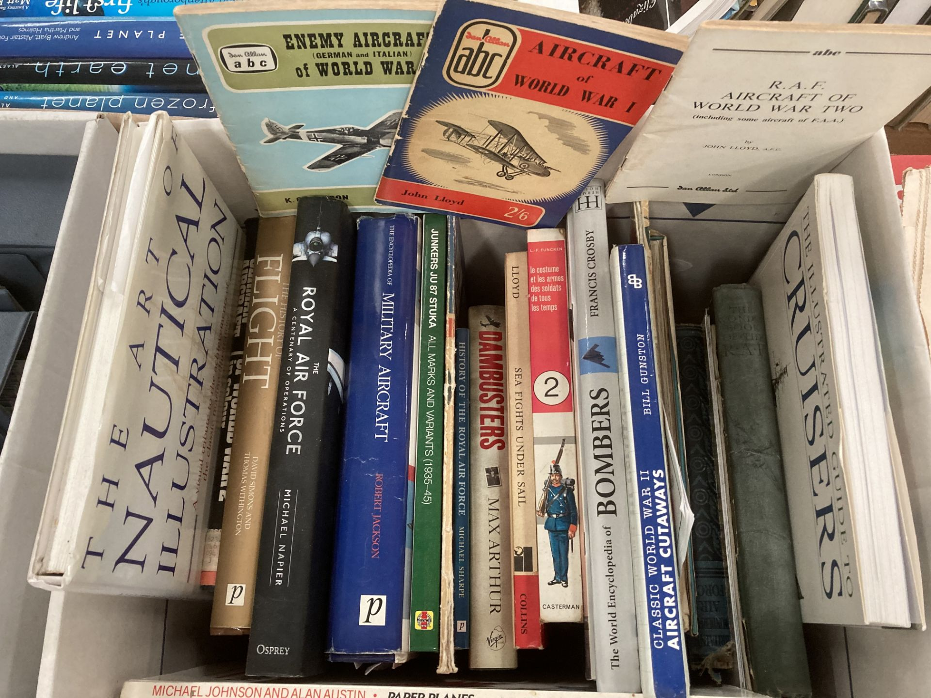 Contents to two boxes books on military, air and nautical warfare - Waterloo, Peter Earle 'Robert E. - Image 2 of 3