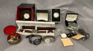 Contents to tray - gentleman's Accurist wristwatch complete with spare strap in box,