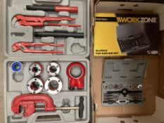 Large pipe threading kit in case,