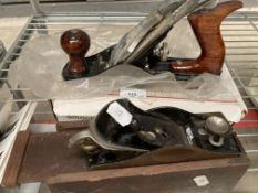 Stanley small hand plane in wooden box and Blackspur smooth plane no.
