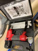 Clarke Air staple/nail gun model CSN-1D in case