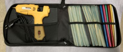 5 x Konomio glue guns in cases and quantity of assorted glue sticks model NL-203
