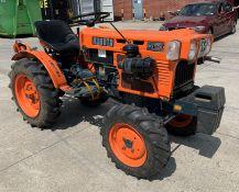 KUBOTA B6100D TRACTOR - diesel - orange Hours: 1019.