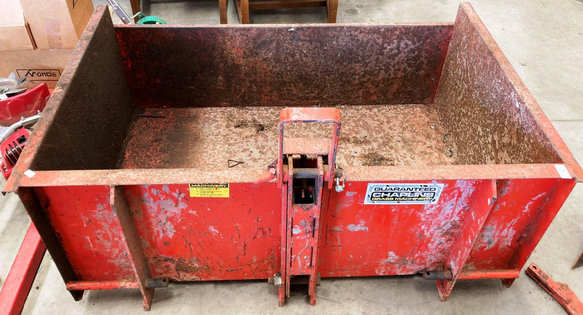 A LINK BACK MOUNTING METAL COLLECTION BOX 122 x 77 x 48cm deep *Please note,
