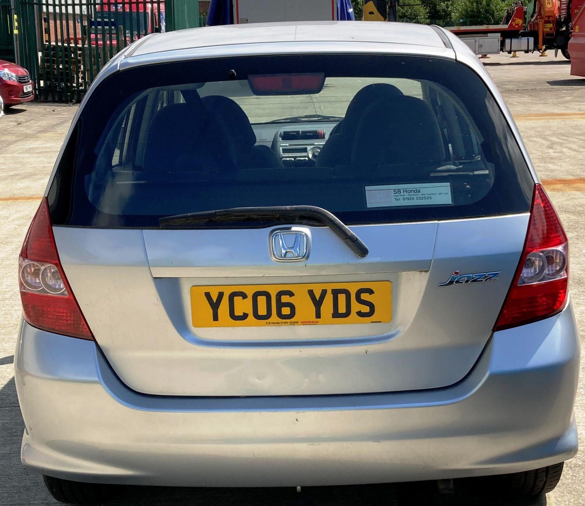 FROM A DECEASED ESTATE HONDA JAZZ 1.3 SE 5 door hatchback - petrol - silver Reg No: YC06 YDS Rec. - Image 4 of 4