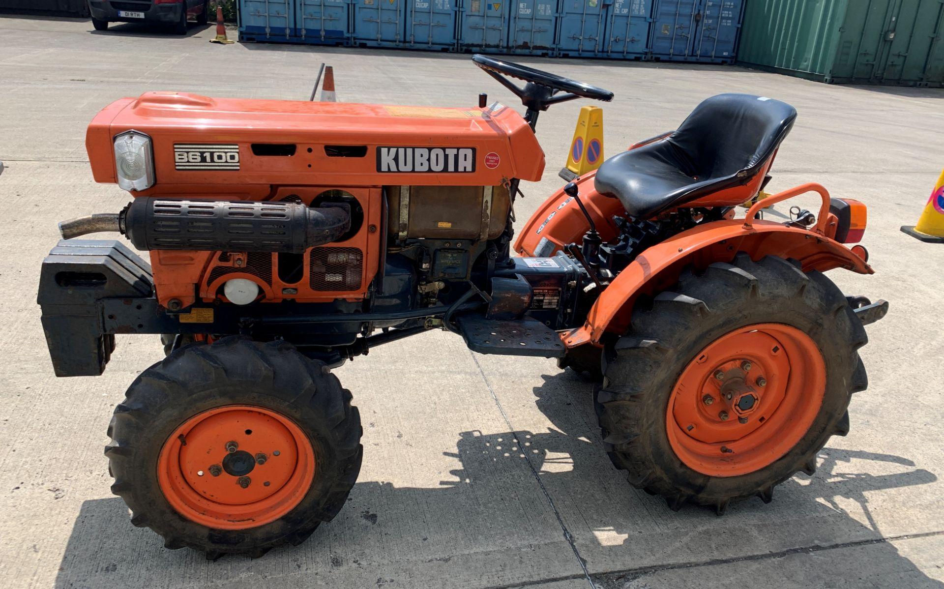 KUBOTA B6100D TRACTOR - diesel - orange Hours: 1019. - Image 7 of 21