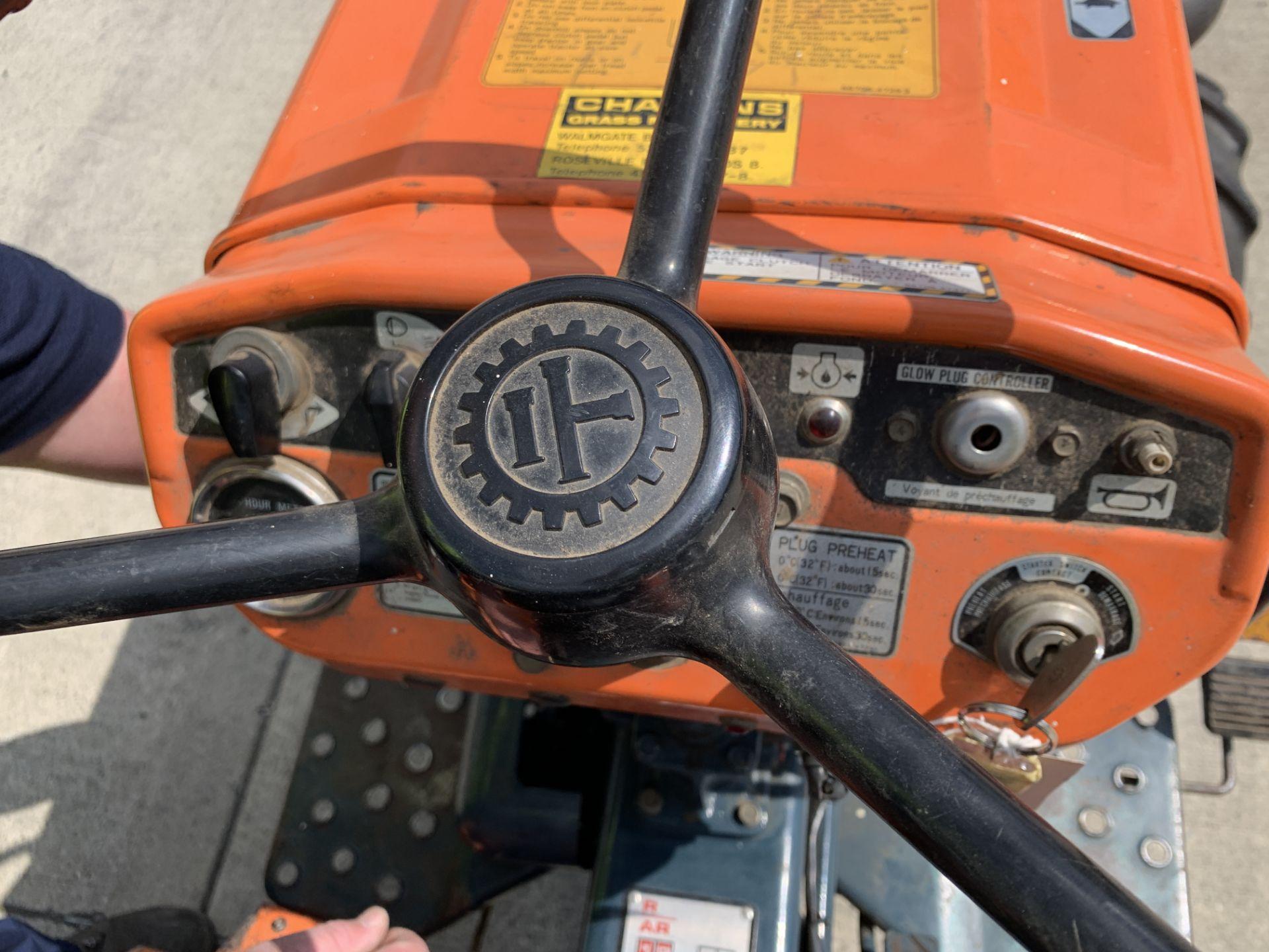 KUBOTA B6100D TRACTOR - diesel - orange Hours: 1019. - Image 12 of 21