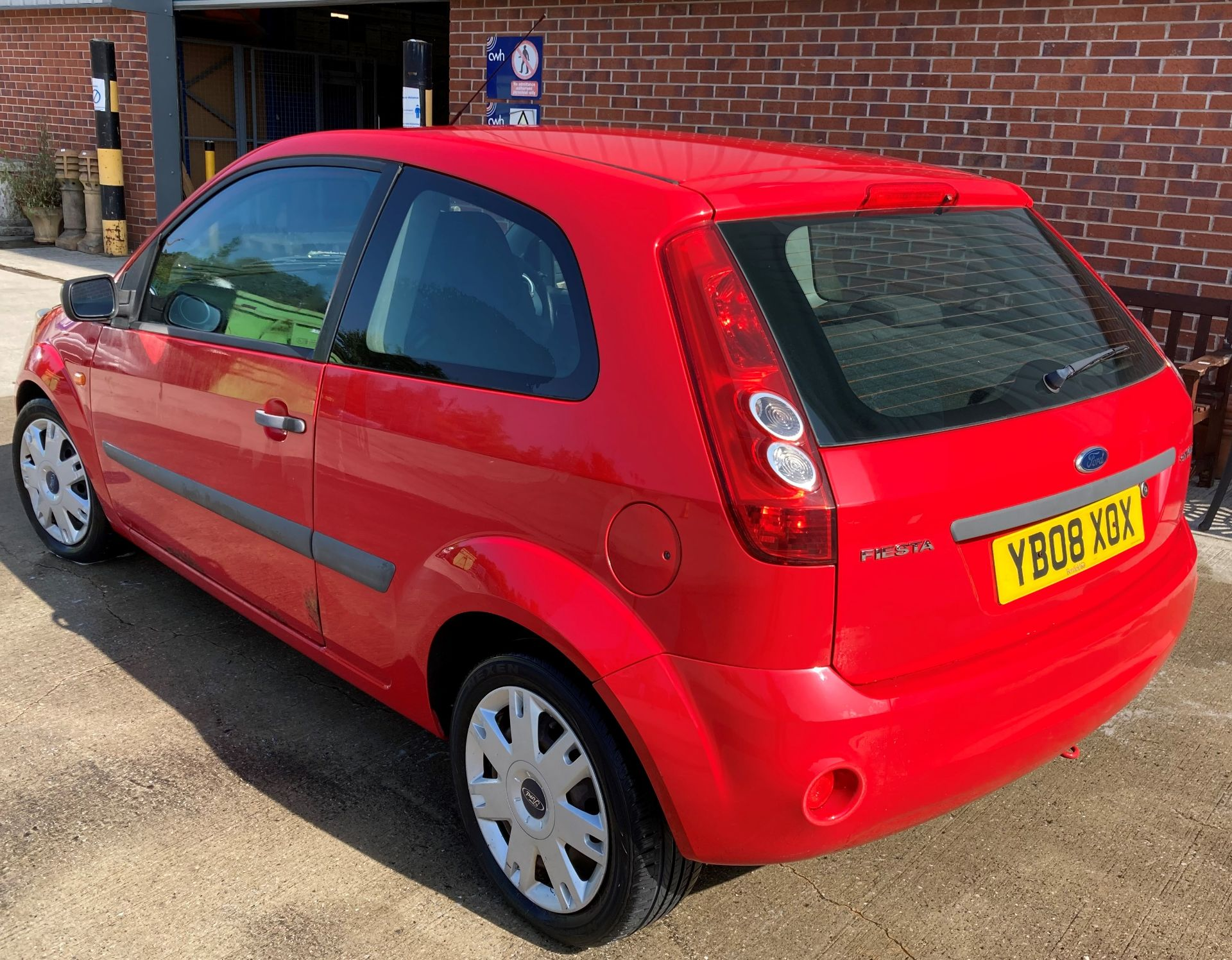 FROM A DECEASED ESTATE FORD FIESTA STYLE 1.2 3 door hatchback - petrol - red Reg No: YB08 XOX Rec. - Image 3 of 10