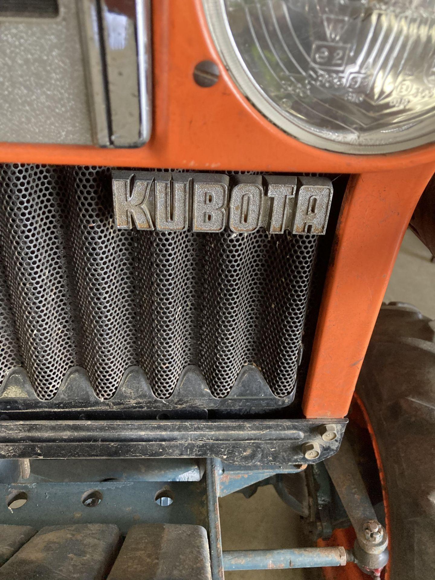 KUBOTA B6100D TRACTOR - diesel - orange Hours: 1019. - Image 20 of 21