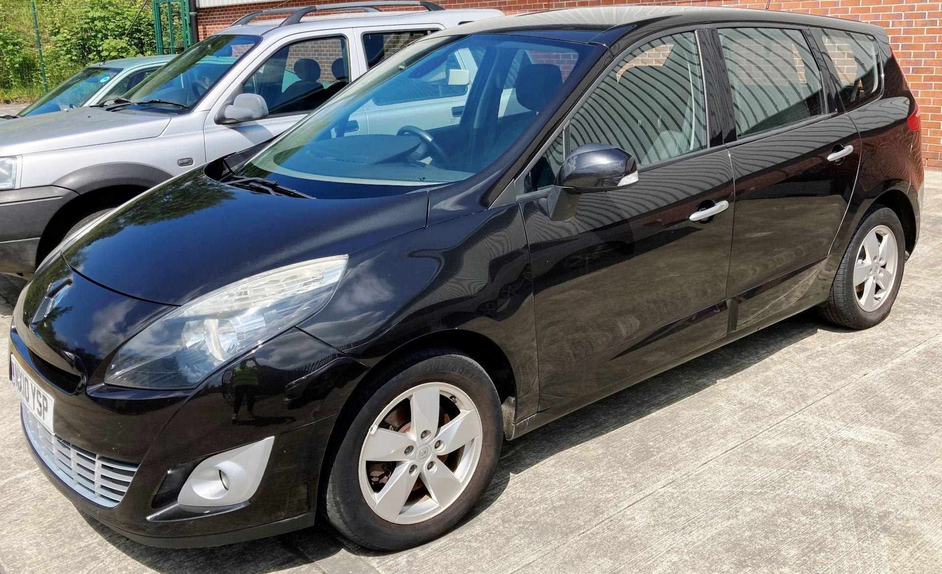 ON INSTRUCTIONS OF A RETAINED CLIENT RENAULT GRAND SCENIC DYN DCi 106 1. - Image 3 of 4