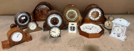 A collection of twelve various mantel,