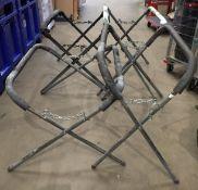 4 x adjustable parts stands