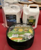 A 5 litre tub of Williams Racing waterless wash and a 5 litre tub of triple wax wash and wax