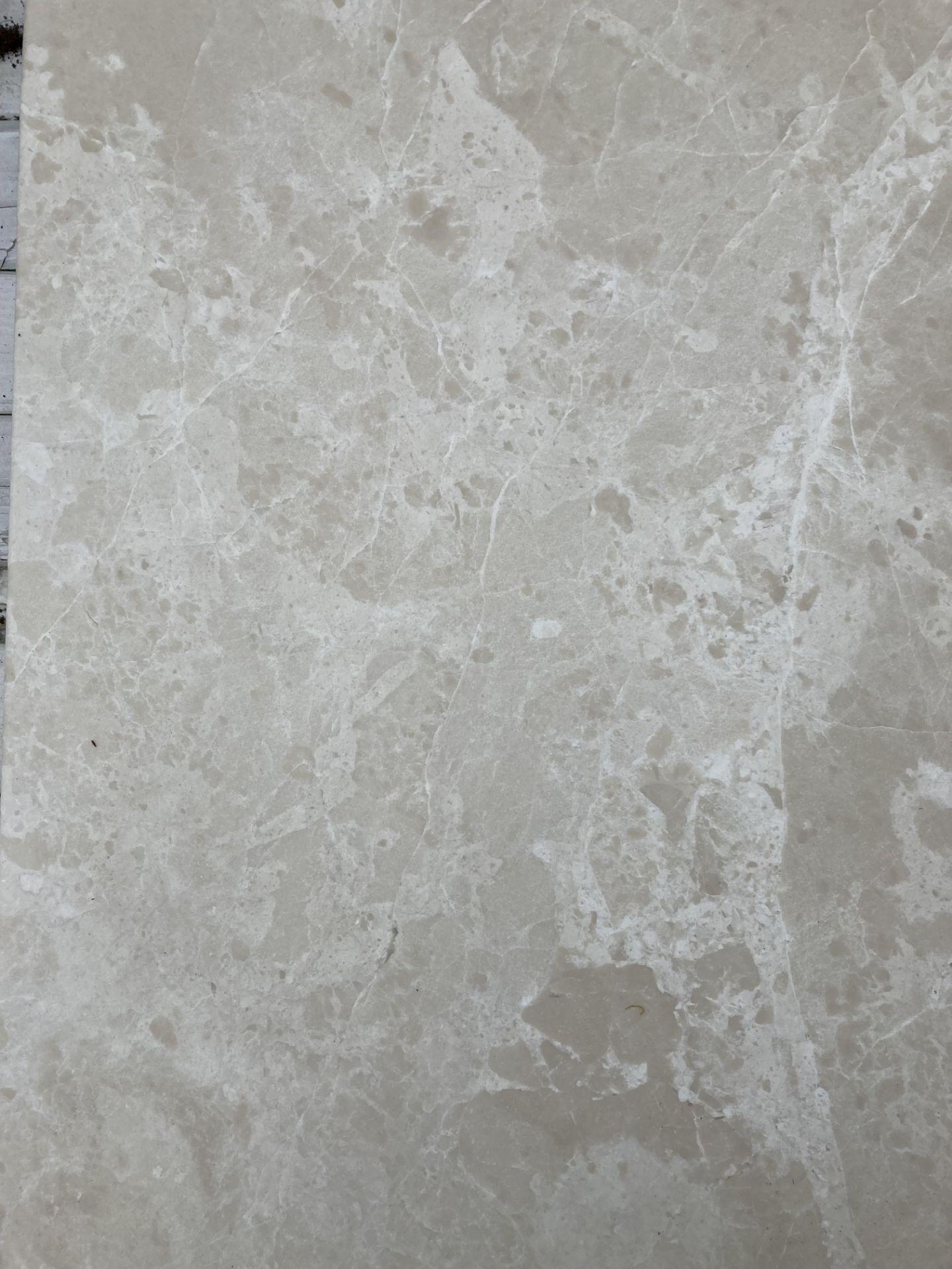 40 x packs of 4 marble tiles in Rosoni beige - 30 x 60 x 1. - Image 2 of 3