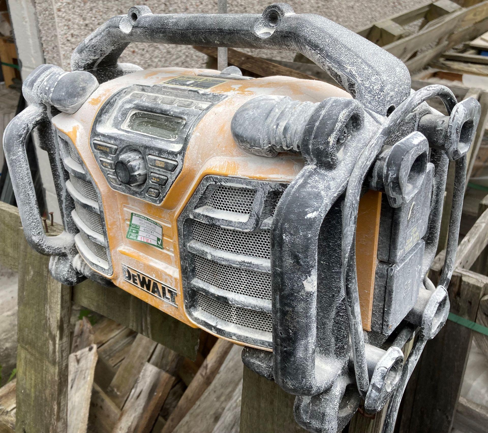 DeWalt DCR017 portable work radio - battery and 240v (as seen) - Image 2 of 2