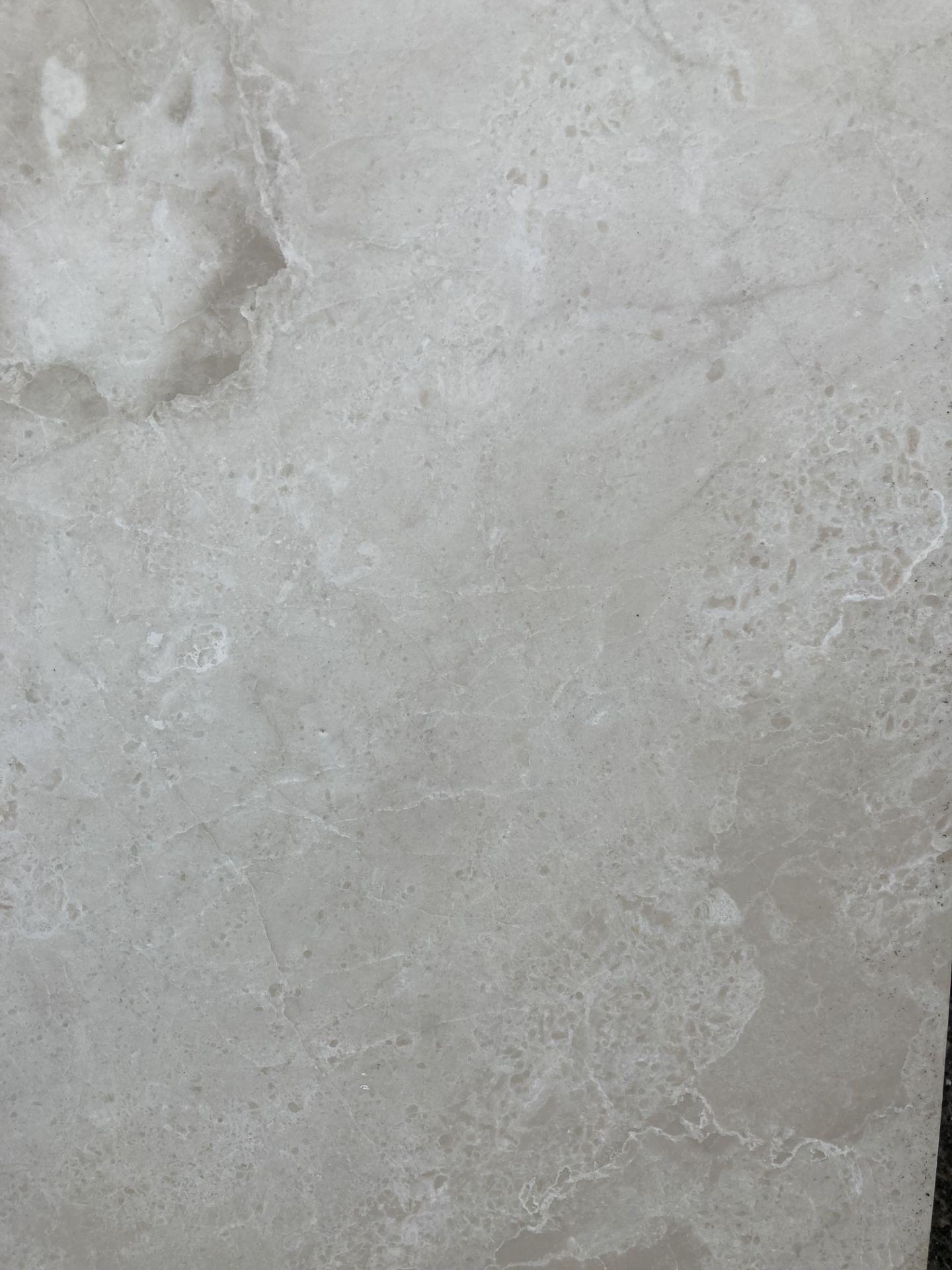 20 x packs of 4 marble tiles in Rosoni beige - 30 x 60 x 1. - Image 2 of 3