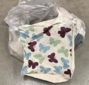 1 x bag of 25 butterfly bean cube covers