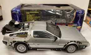 Back To The Future Part II 1/15th scale time machine by Diamond Select Toys