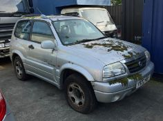 SUZUKI GRAND VITARA 1.6 16V SE ESTATE - Petrol - Silver.