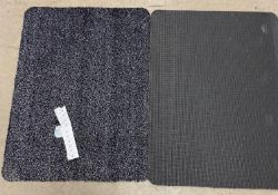 10 x black/white speckled rubber backed mats