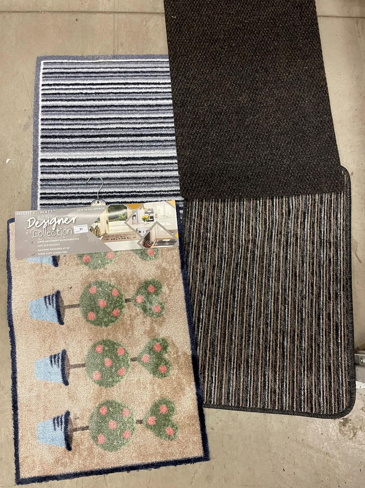 16 x assorted rugs - various sizes (50 x 70cm,