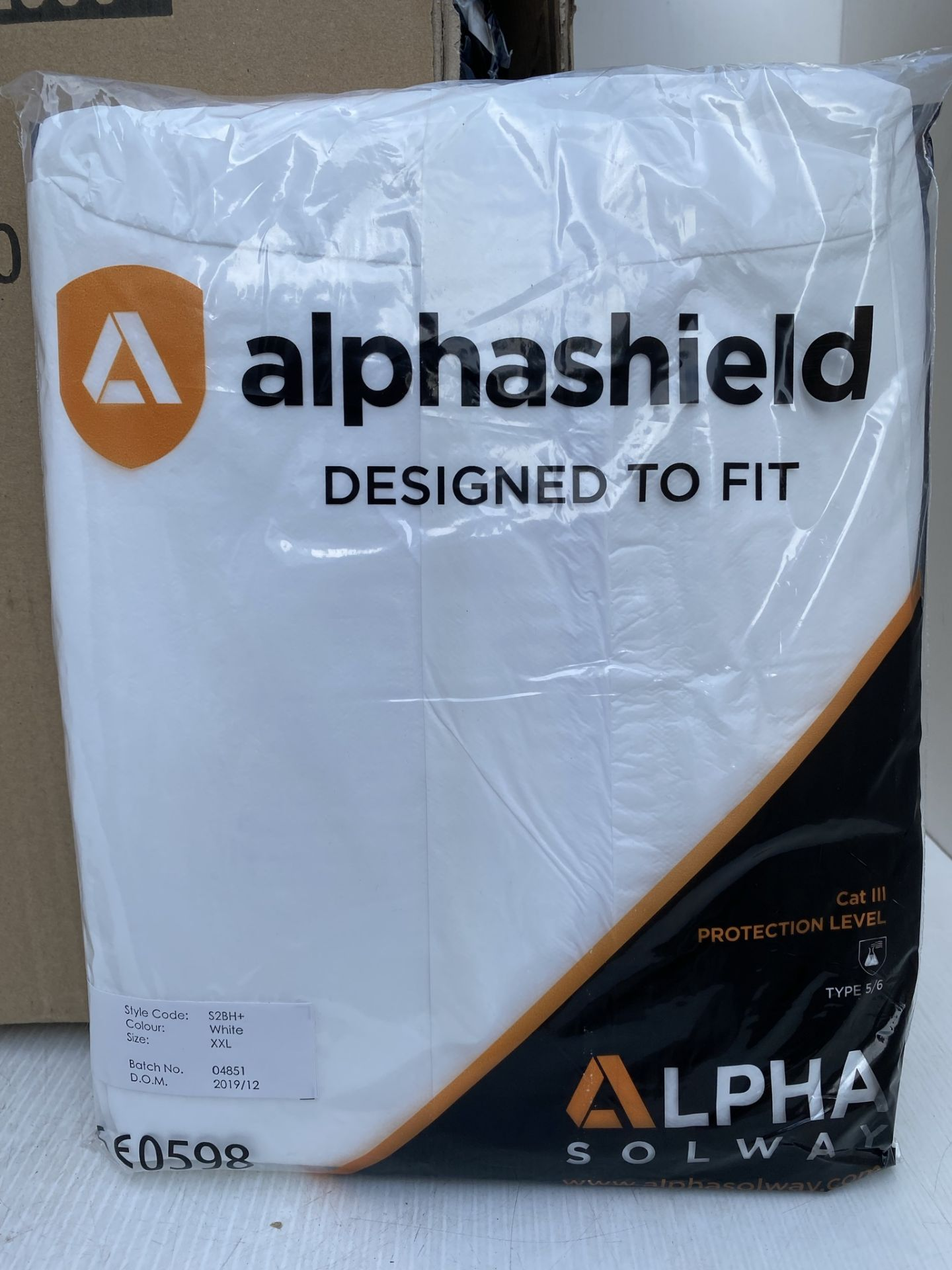 50 x Alpha Solway - Alphashield 2000+ protective S2BH+ white oversuits - Assorted sizes,