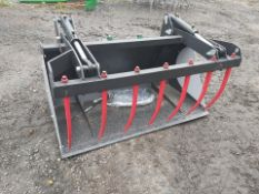 Bucket grab 1.8m, pipes and euro 8 brackets included, removable side panels.
