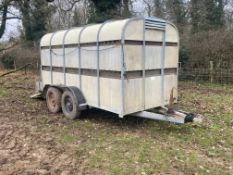 2001 Bateson twin axle cattle trailer, some repairs required. Stored near Goring Heath, Reading.