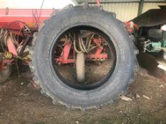 Tyre 420/85R38.