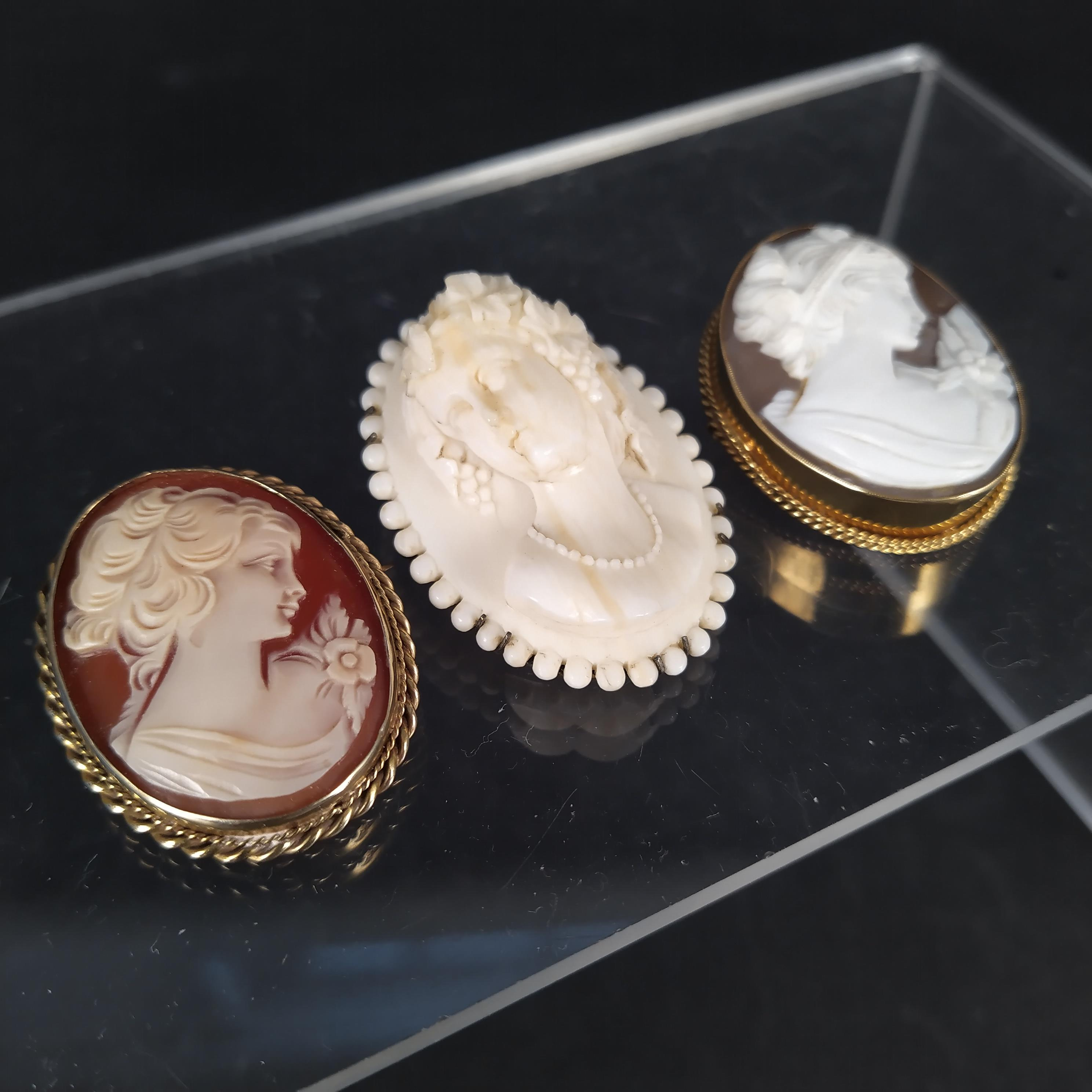 Three cameo brooches, - Image 2 of 3
