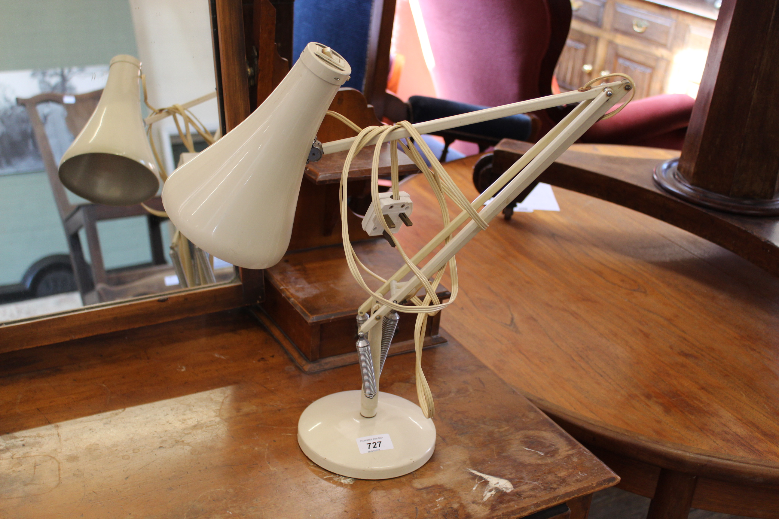 A vintage cream desk lamp by Anglepoise