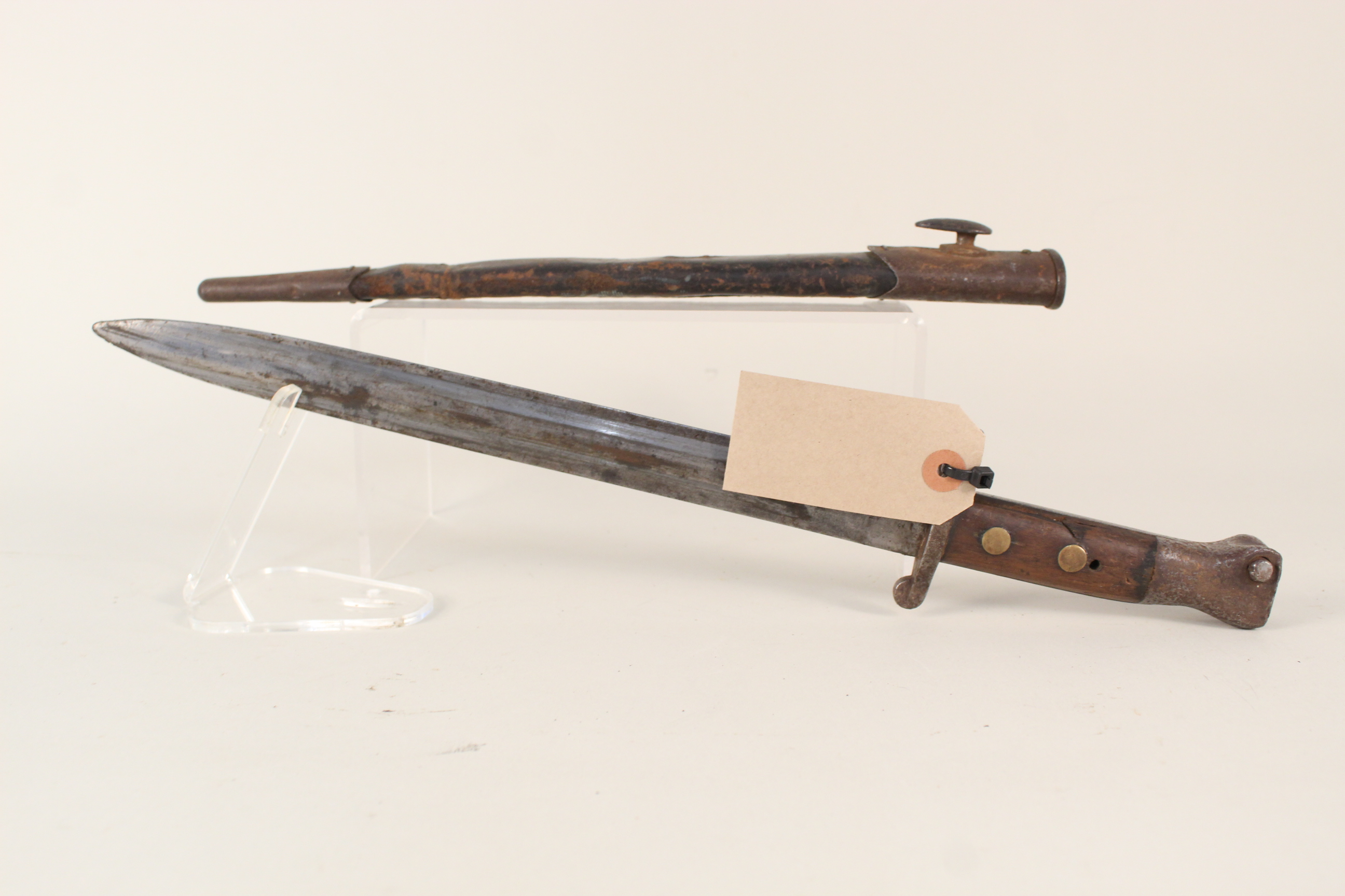A British 1888 model bayonet (Mk I 2nd type) by Mole with scabbard (in overall worn condition) - Image 2 of 4