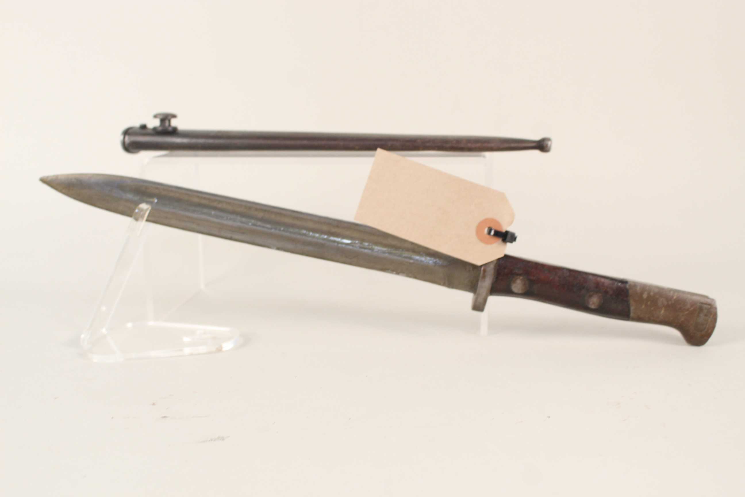 An Austrian export model 98 Mauser bayonet with metal scabbard - Image 2 of 4