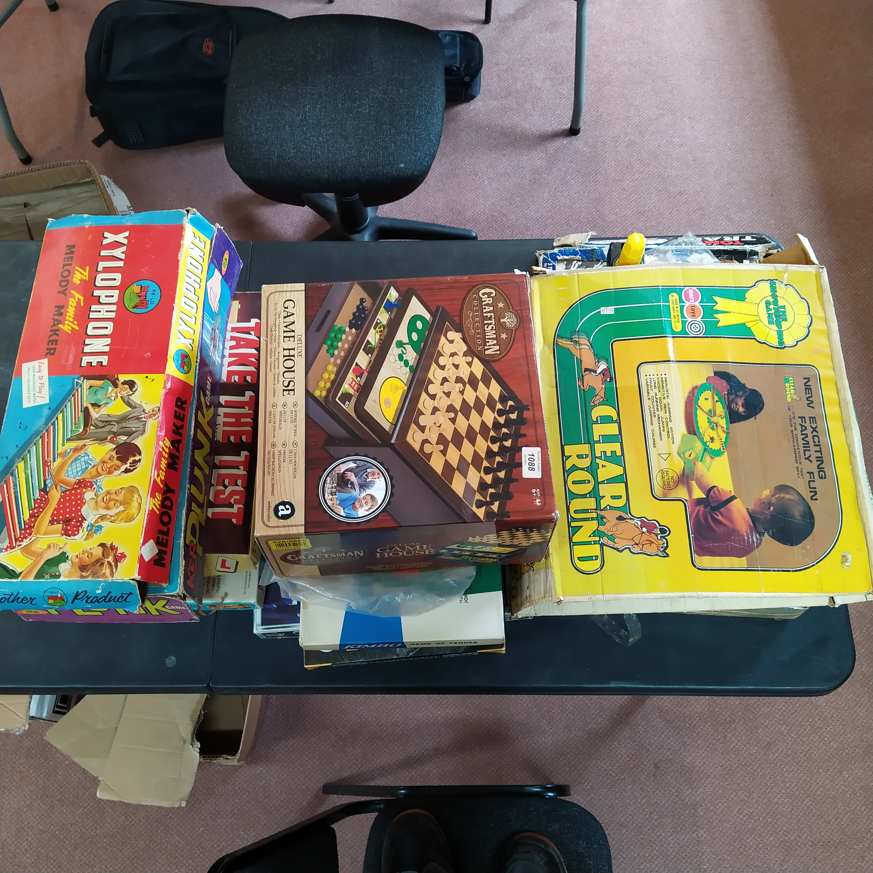 A large quantity of board games including Marx Clear Round and Thomas the Tank Engine set - Image 3 of 3
