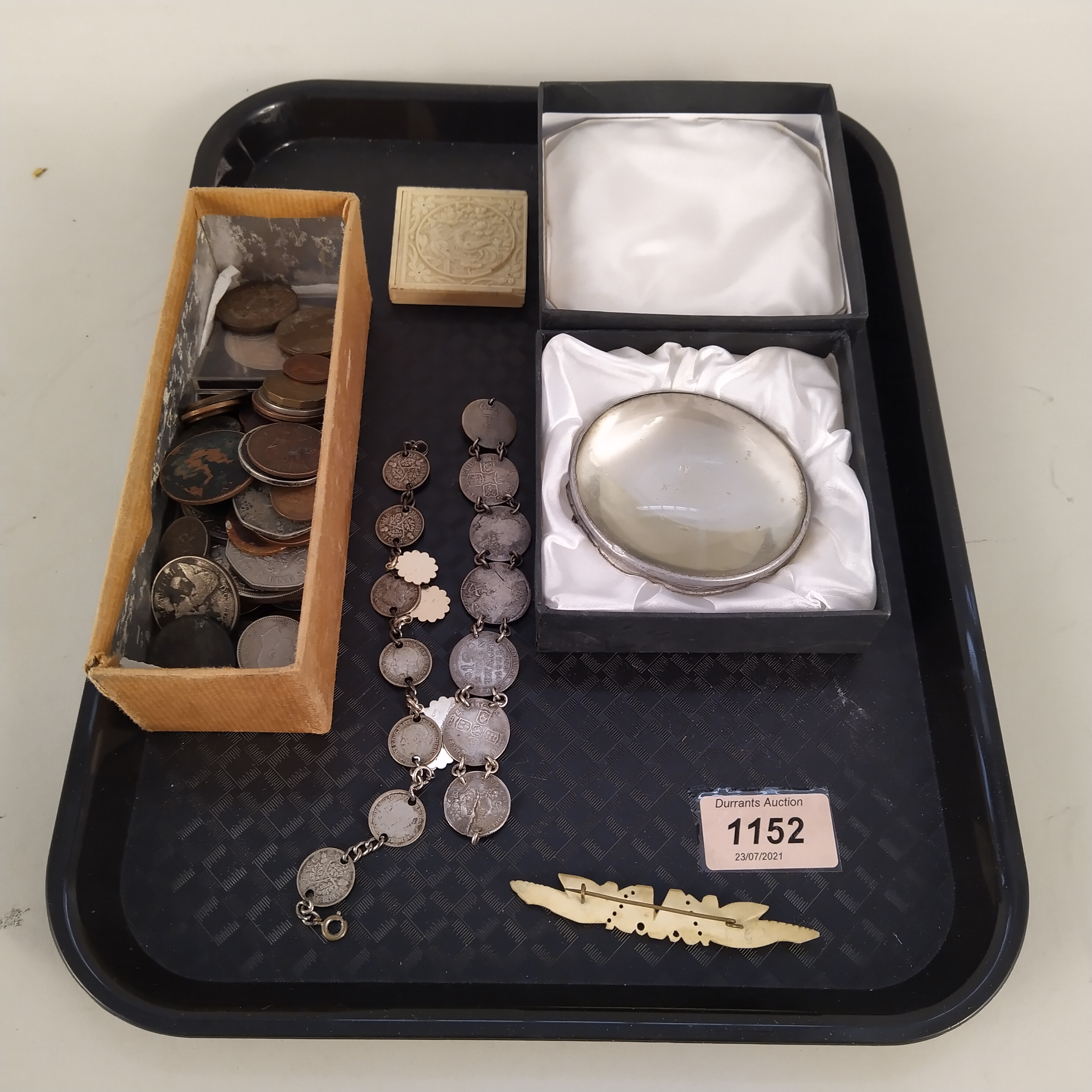 A small collection of vintage coins,