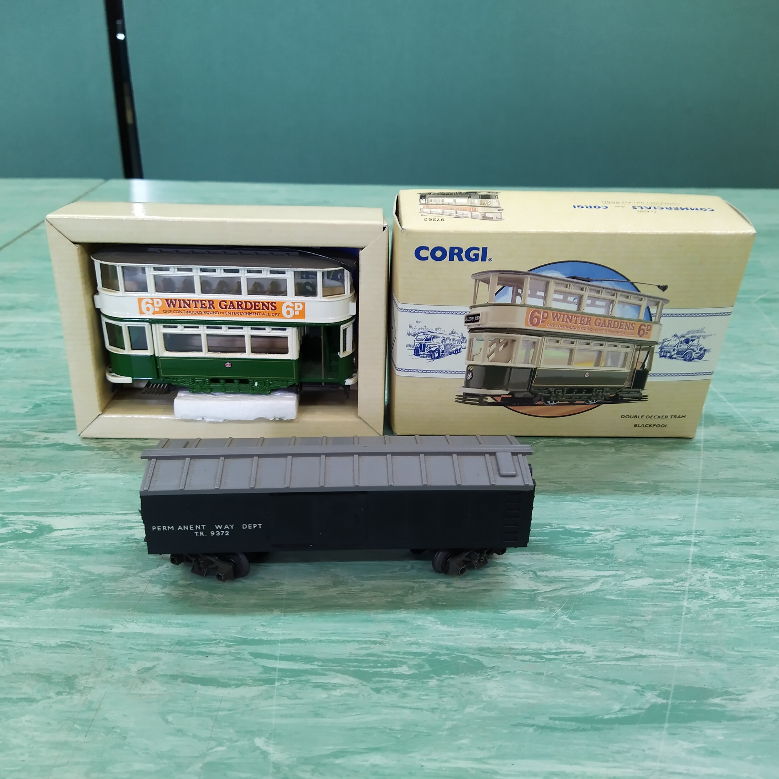 Various Corgi boxed and loose 1:50 scale trams - Image 2 of 3