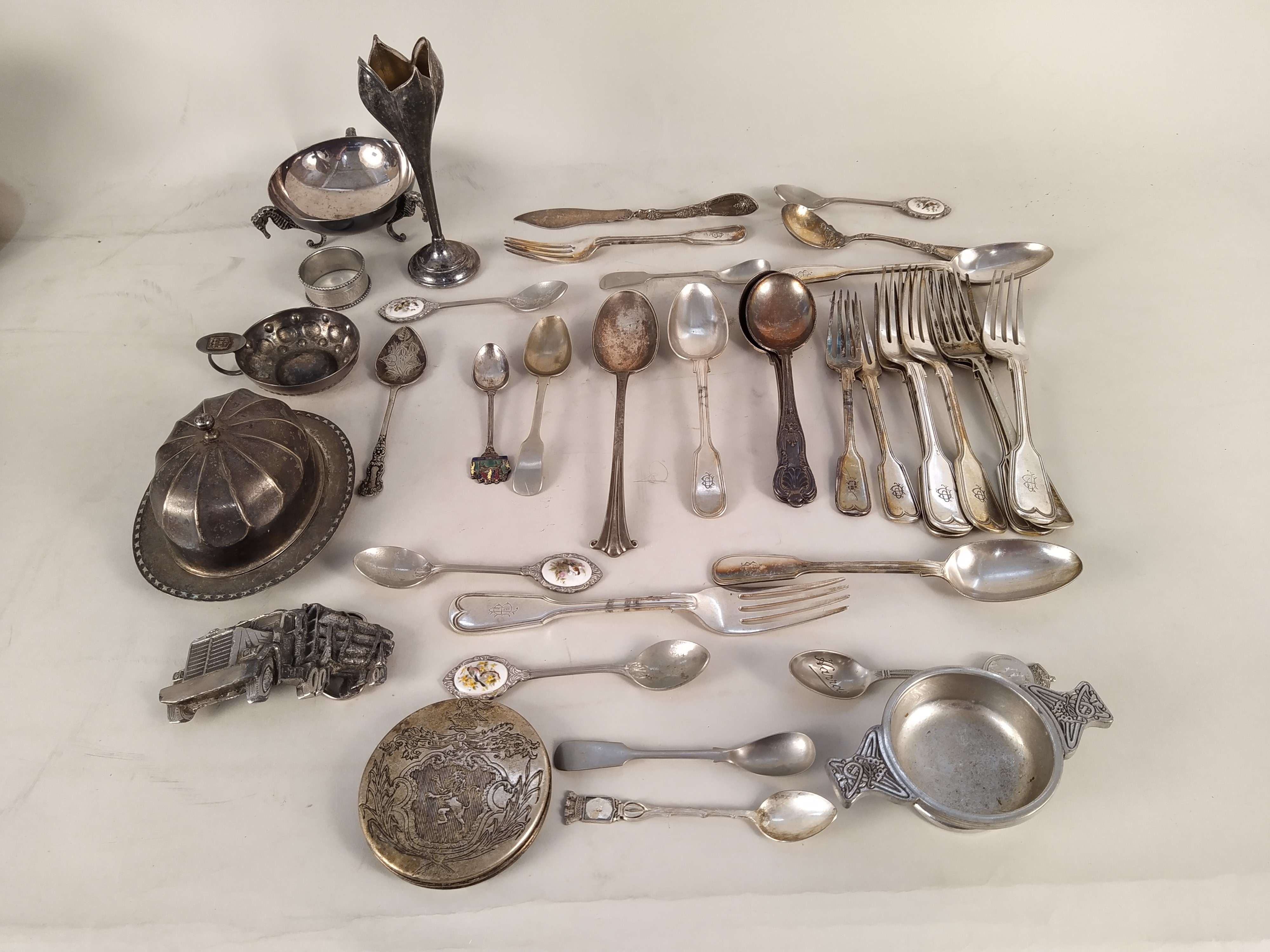 A mixed selection of silver plate and pewter wares - Image 3 of 3