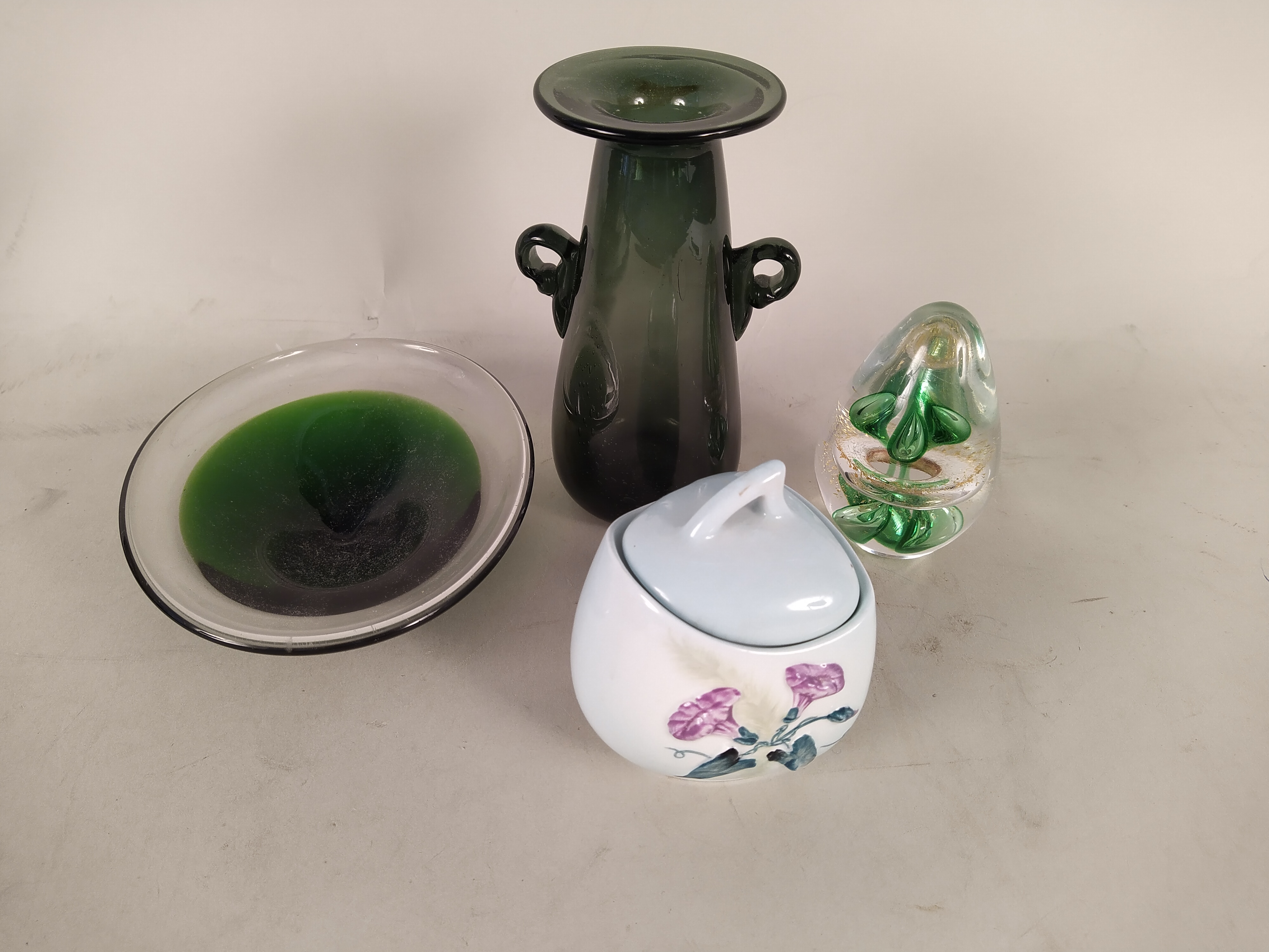 A Doulton style salad dish with matching servers, a Carlton ware lidded sugar, - Image 2 of 3