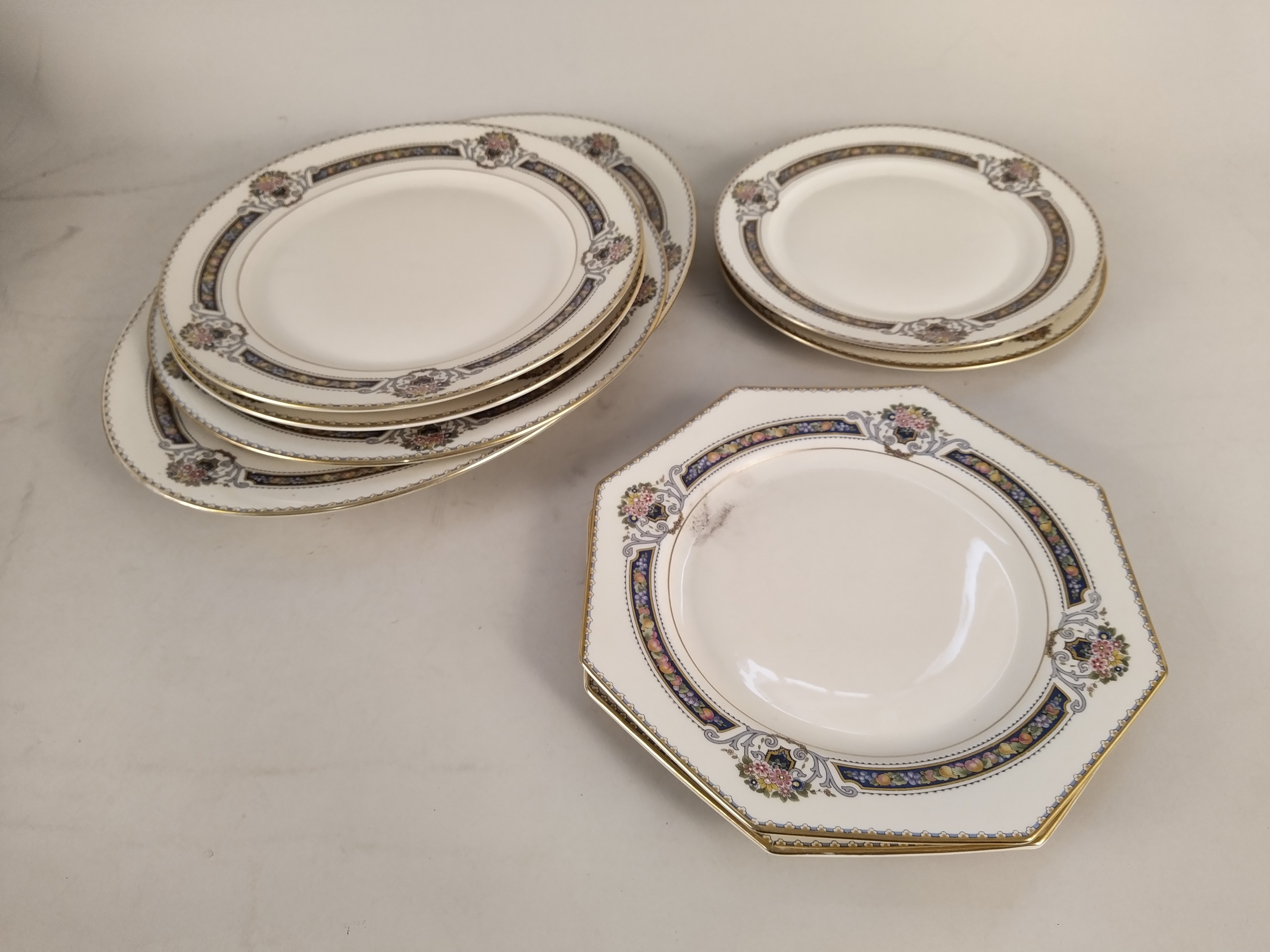 A part Rosenthal 'Orelay' pattern dinner service - Image 2 of 3