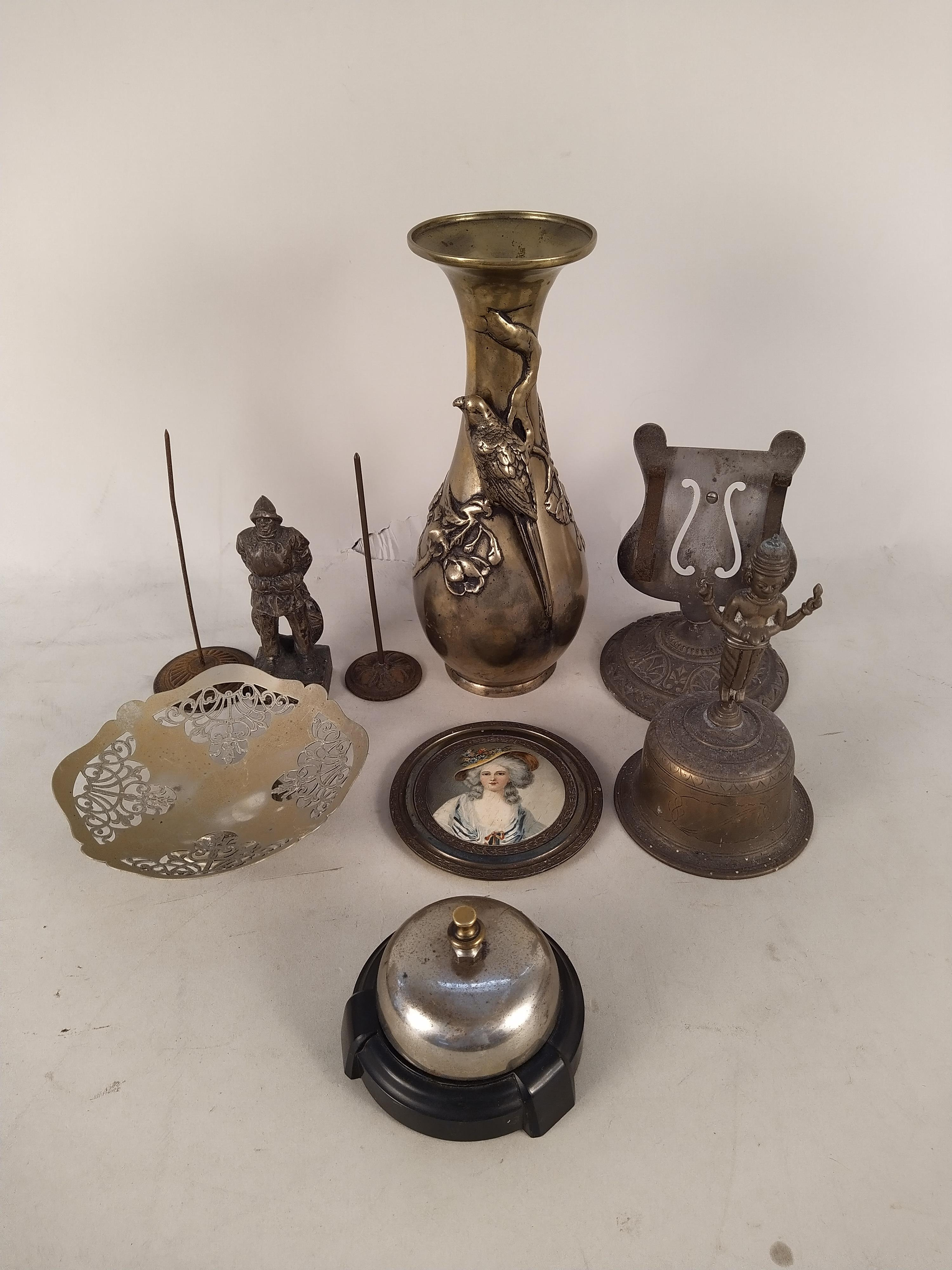 Mixed metalware including an antique paper clip, a heavy brass vase, postal scales (as found), - Image 2 of 3