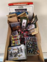 A box of mixed mainly lead soldier figures including Britains,