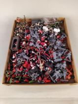 A quantity of mixed plastic soldiers including some Britains