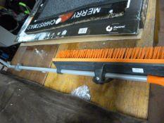 *Power Grip Home Valet Sweeping Brush