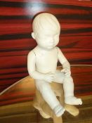 * small baby mannequin - seated with facial features