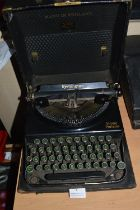 Remington Home Portable Typewriter in Original Carry Case - Made in England