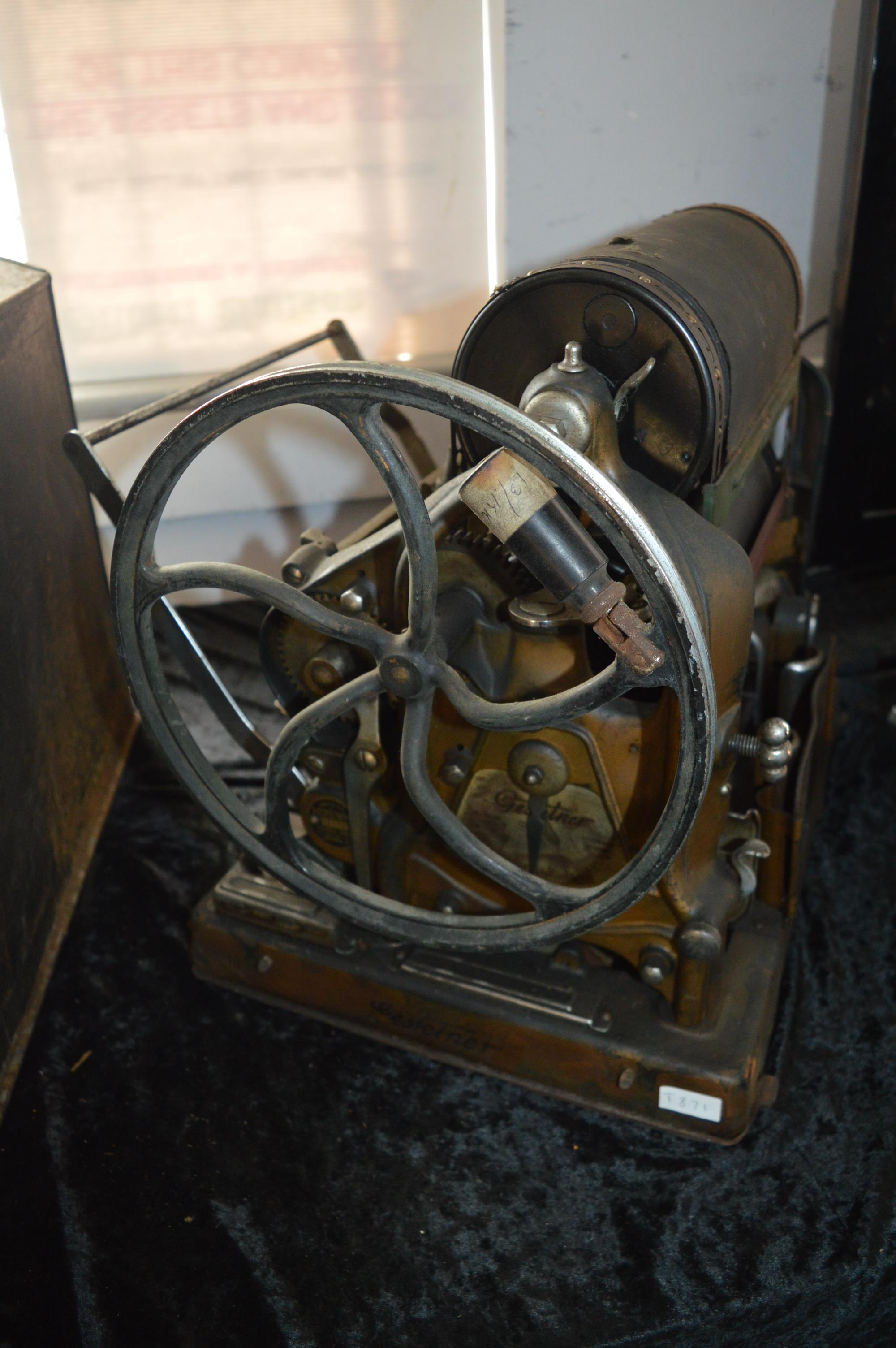Gestetner Duplicating Machine with Original Carry Case - Image 4 of 4
