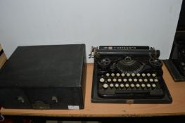 Underwood USA Standard Portable Typewriter in Original Black Case