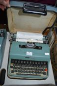 Olivetti Lettera 32 Manual Typewriter with Original Carry Case