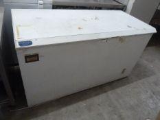 * Gram chest freezer. 1500w x 720d x 870h