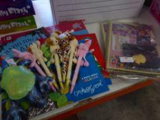 *selection of kids party prizes - puzzles/purses/pens